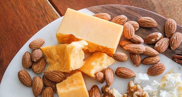 Любимые крысиные лакомства: сыр и орехи