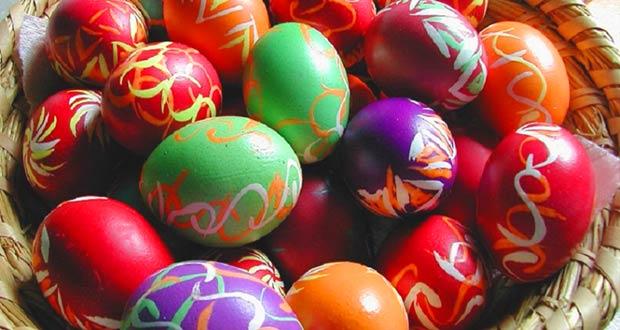 Пасхальные яйца с красивыми узорами