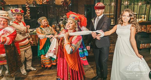 Праздничная стилизованная свадьба