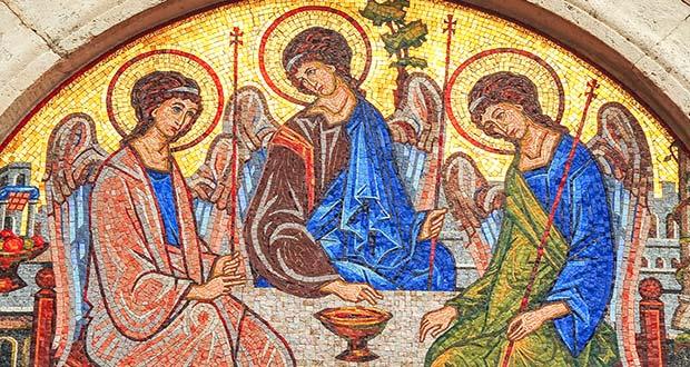 Церковные фрески святой Троицы