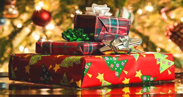 Красиво упакованные подарки к Новому году