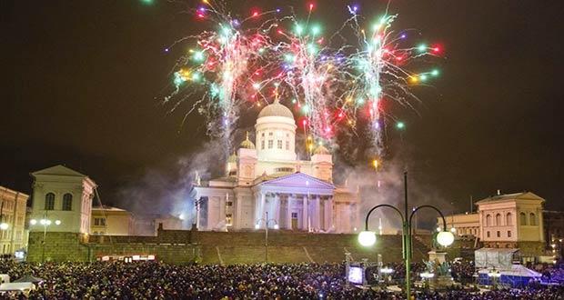 Салют на Новый год на Сенатской площади