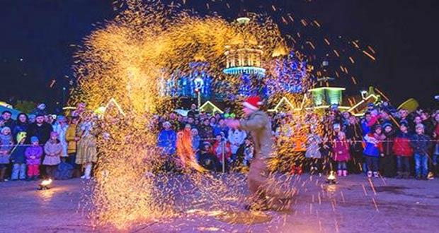 Праздничное огненное шоу для туристов