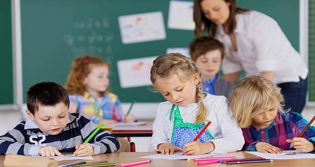 Ученики российских школ за партами