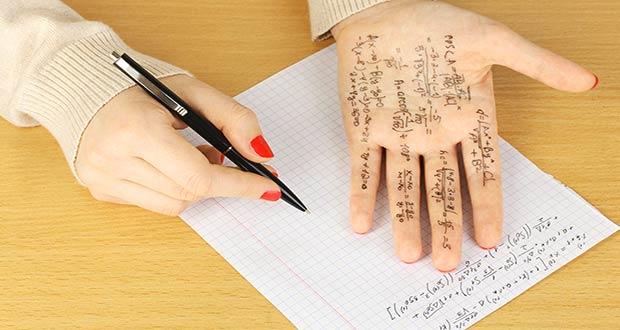 Математические формулы на руке