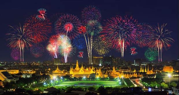 Новогодние фейерверки в Таиланде