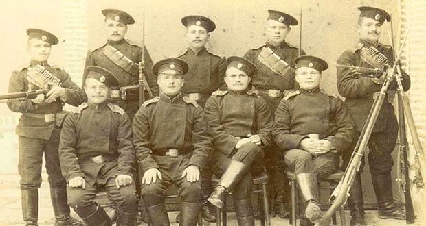 Старое фото с военнослужащими царской армии
