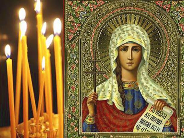 Свечи возле иконы св. Татианы