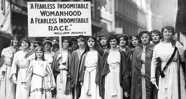 Одна из первых демонстраций в Европе за права женщин