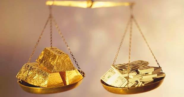 Доллары и золото на чаше весов