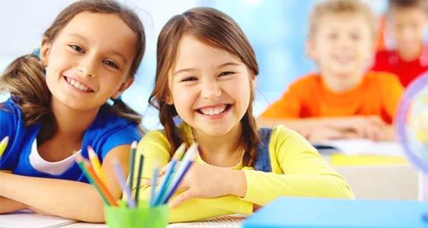 Ученицы младших классов школы
