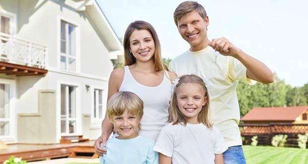 Семья радуется новому дому благодаря маткапиталу
