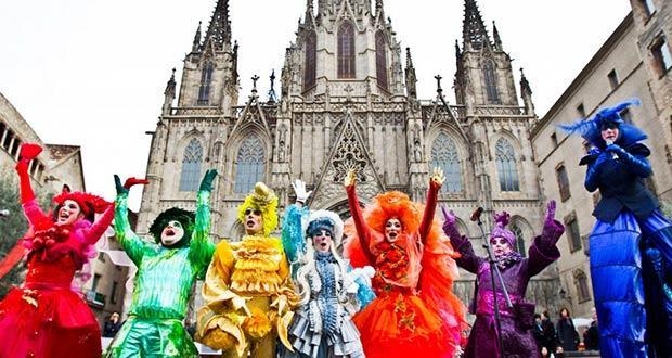 Традиционный карнавал в Барселоне в феврале месяце
