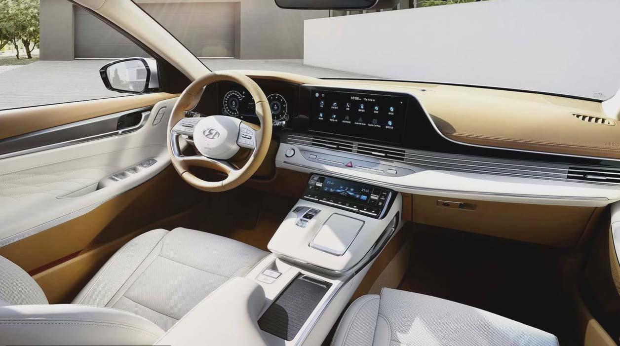 Hyundai Grandeur новый, фото места водителя